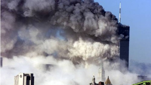 Seismolog tvrdí: Věže WTC 11. září 2001 byly řízeně odpáleny