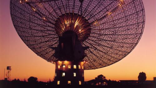Záhadné záblesky z vesmíru: Mimozemšťané, mikrovlnná trouba nebo gigantické katastrofy?