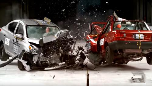 Crashtest: Je znát 25 let vývoje na první pohled?