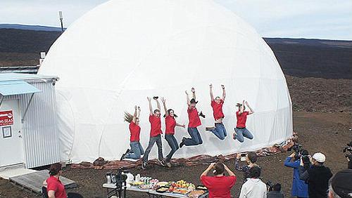 6 vědců se vrátilo z Marsu na Zemi. Simulovaně a s velkou pompou. Nesmysl!