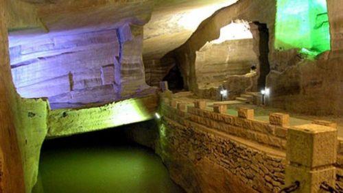 Mysteriózní jeskyně v Chua-šan - osmý div světa