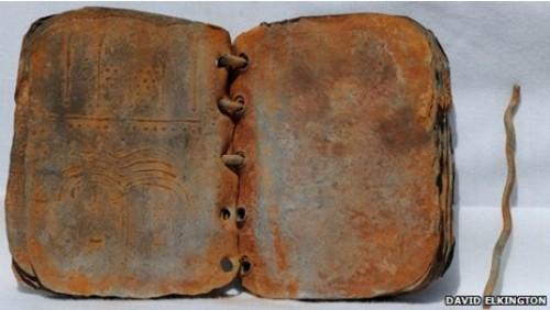 Co skrývají záhadné kovové kodexy?