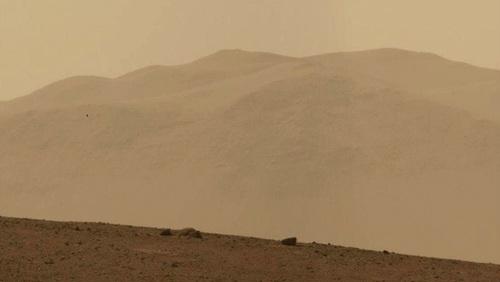 Nejlepší fotky z Marsu a konec velké kachny
