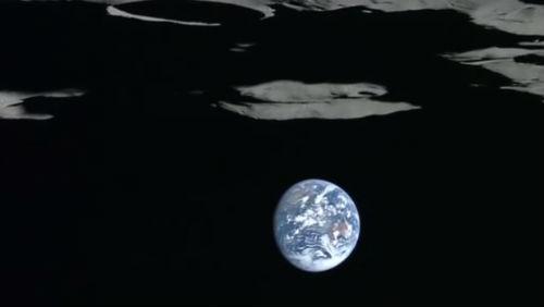 Dechberoucí videa: Země z oběžné dráhy Měsíce