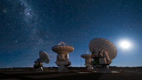 Radarové záběry UFO u komety ISON jsou podvrh