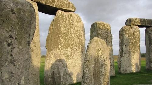 Stonehenge: zná se již původ kamenů