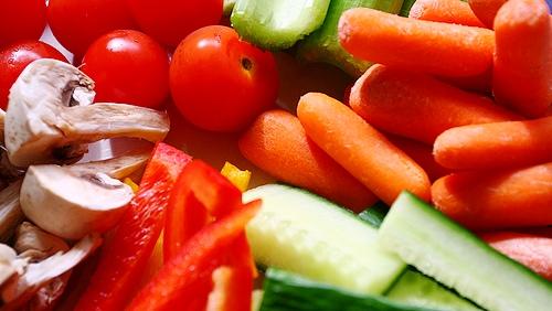 Editorial: Proč není zelenina ze supermarketů k jídlu?
