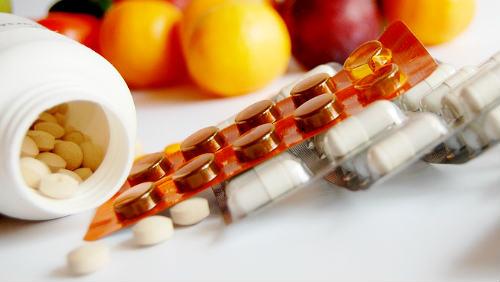 Vitamínové doplňky nepomáhají. A škodí!